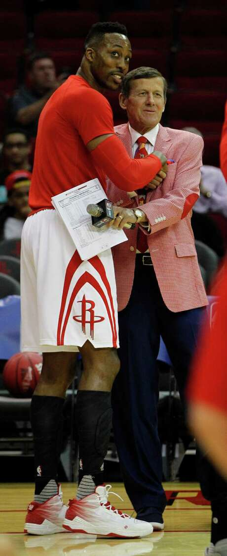 Dwight Howard is showing his support for Craig Sager, right, by organizing a blood drive today. Photo: Karen Warren, Staff / © 2016  Houston Chronicle