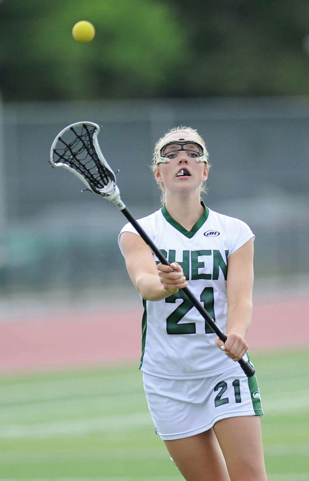 Shenendehowa's Jordy Marr (21) shoots against Bethlehem during their Section II Class A girls' semifinal lacrosse at game in Clifton Park, N.Y., Thursday, May 21, 2015. (Hans Pennink / Special to the Times Union) ORG XMIT: HP111