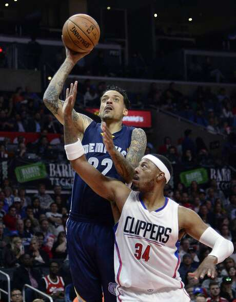 Matt Barnes #22 of the Memphis Grizzlies shoots a layup agains Paul Pierce #34 of the Los Angeles Clippers during the first half of the basketball game at Staples Center April 12, 2016, in Los Angeles. Photo: Kevork Djansezian, Getty Images