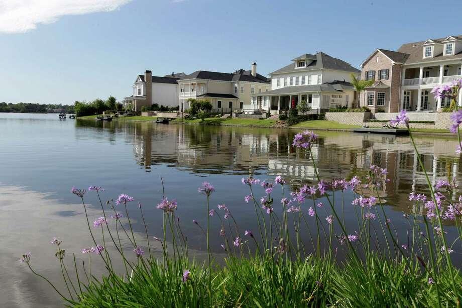 Luxury housing in The Woodlands. Photo: Melissa Phillip, Staff / © 2016 Houston Chronicle