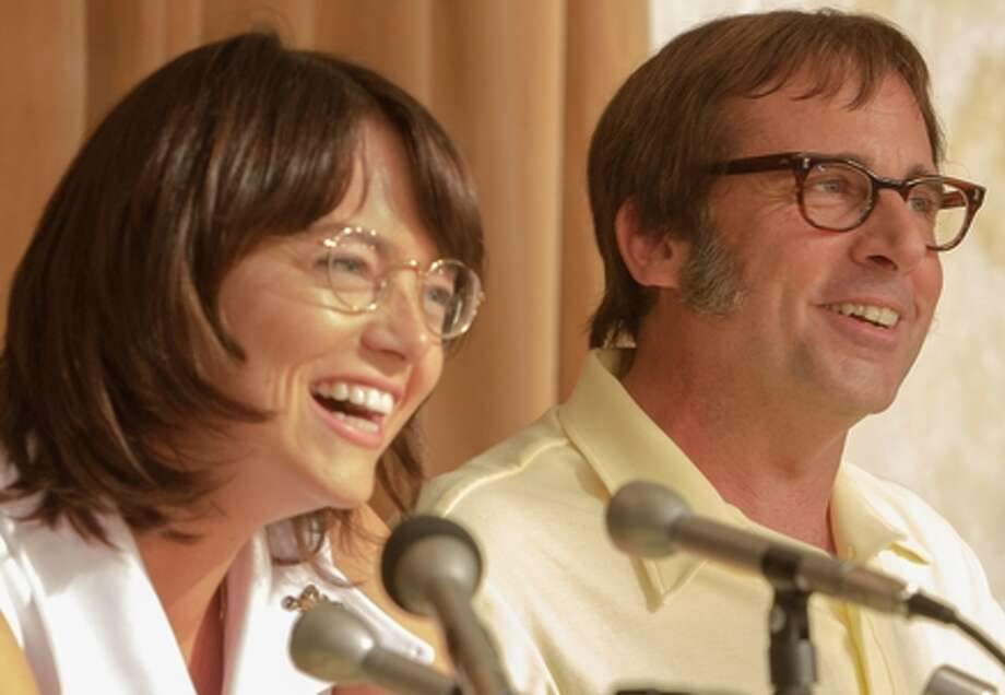 "Emma Stone as ""Billie Jean King"" and  Steve Carell as ""Bobby Riggs"" in BATTLE OF THE SEXES. Photo by Melinda Sue Gordon. © 2016 Twentieth Century Fox Film Corporation All Rights Reserved / Melinda Sue Gordon"