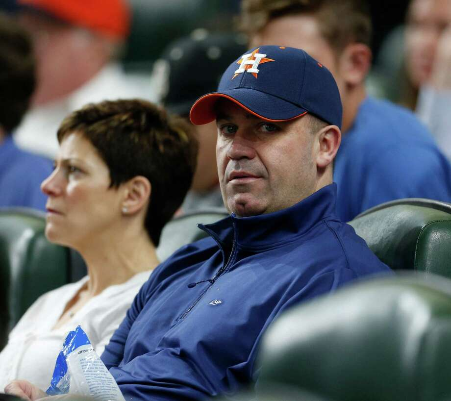 Texans head coach Bill O'Brien has been cheering on the Astros this season and regularly exchanges text messages with Astros manager A.J. Hinch. Photo: Karen Warren, Houston Chronicle / © 2016 Houston Chronicle