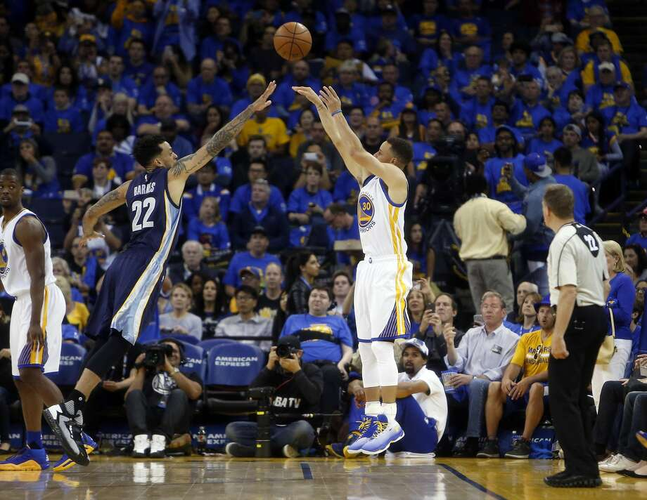 Stephen Curry puts up his 400th three-pointer of the season. He made 45.4 percent of his shots from beyond the arc, 50.4 percent overall from the field and 90.8 percent from the foul line. Photo: Scott Strazzante, The Chronicle