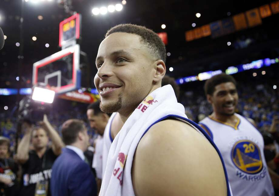 Curry displayed some satisfaction after the Warriors' 73rd win. Photo: Scott Strazzante, The Chronicle
