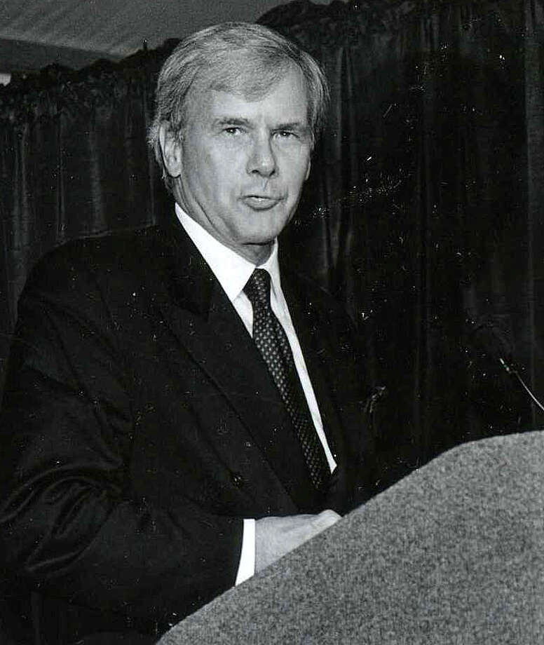 Tom Brokaw delivers a speech at the Annenberg School for Communication at the University of Pennsylvania in September 1999, a few months after he was presented with the Westport Public Library Award. Photo: Contributed / Contributed Photo / Westport News