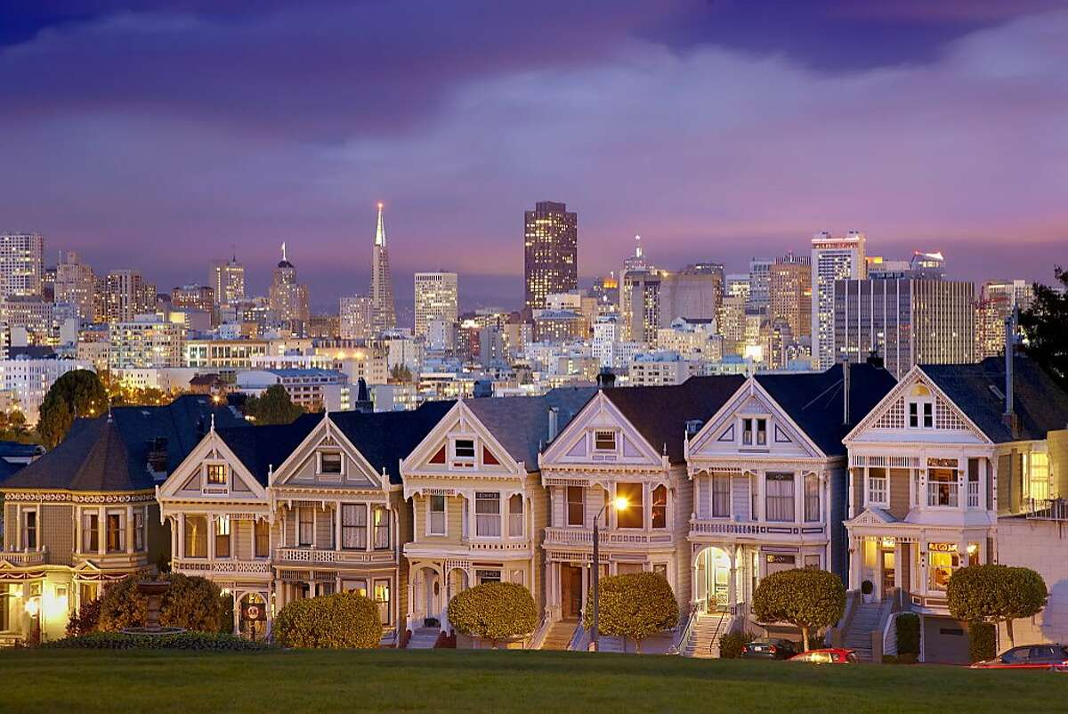 Alamo Square and the Victorian-style Painted Ladies.