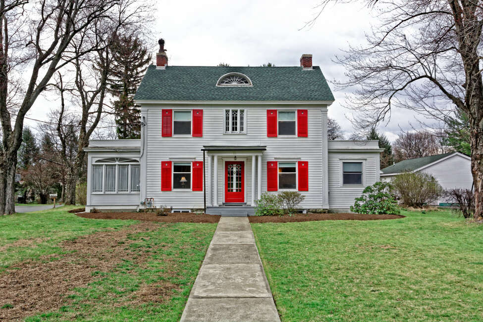 House of the Week: 15 South Lyons Ave., Menands | Realtor: Karyn Long of Coldwell Banker Prime Properties | Discuss: Talk about this house