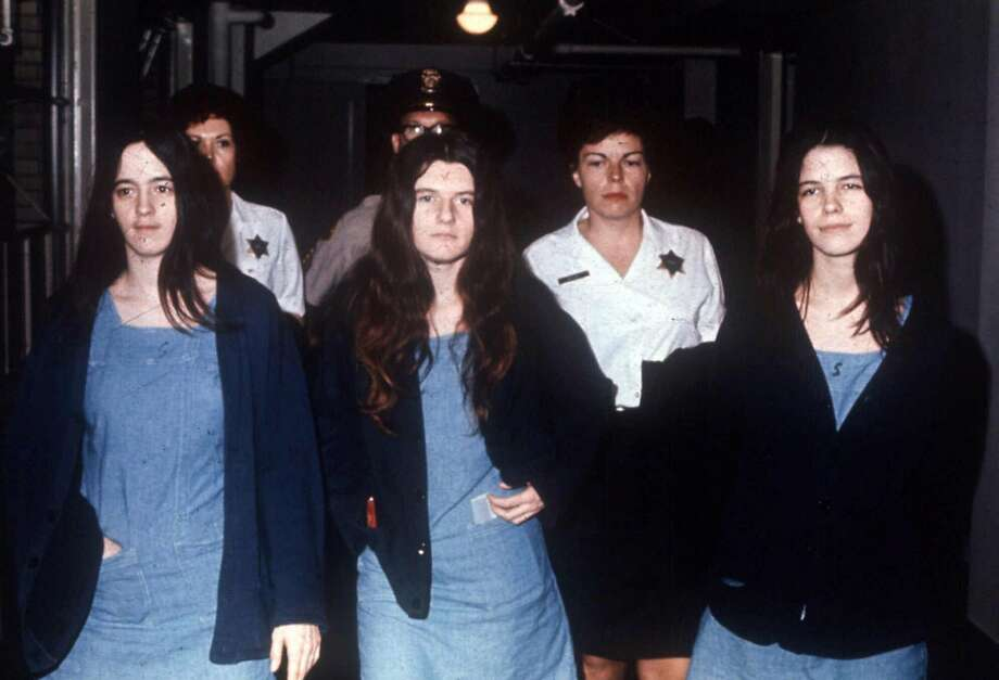 Leslie Van Houten (right) heads to court with fellow Charles Manson followers Susan Atkins (left) and Patricia Krenwinkel during their 1971 trial. Photo: AP