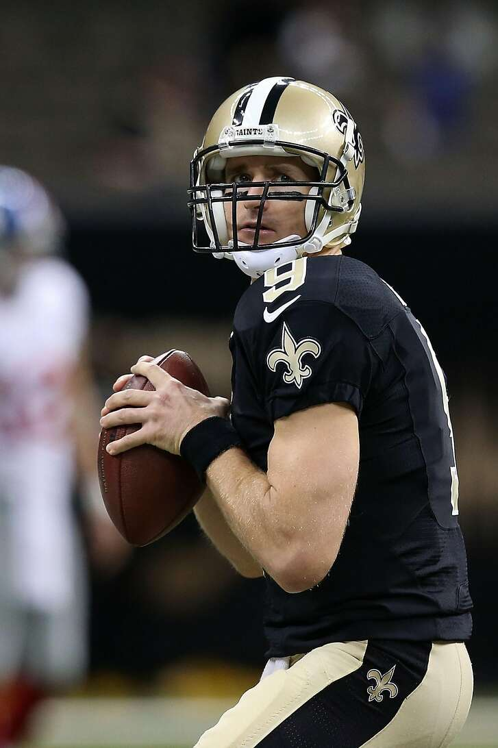 NEW ORLEANS, LA - NOVEMBER 01:  Drew Brees #9 of the New Orleans Saints participates in warmups prior to a game against the New York Giants at the Mercedes-Benz Superdome on November 1, 2015 in New Orleans, Louisiana.  (Photo by Sean Gardner/Getty Images)