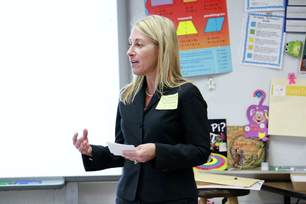Barbara Keegan of Wells Fargo participating in Stratford Public Schools' Financial Literacy Week at Lane Elementary School on April 8.