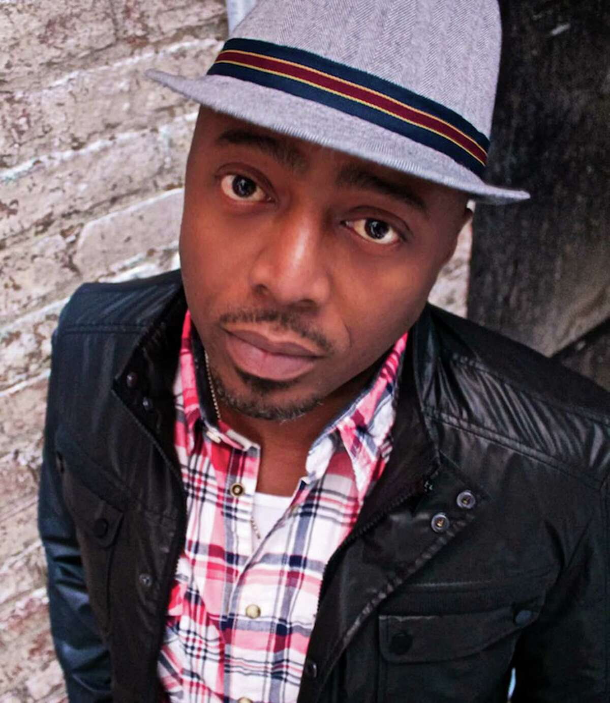 Comedian Donnell Rawlings will perform four shows at COMIX Mohegan Sun, Thursday, April 21, through Saturday, April 23.