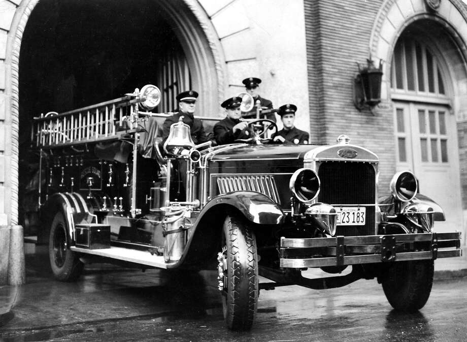 Early 1900s: A San Francisco Fire Department rescue squad in a first engine from the first half of the 20th Century. Photo: Chronicle File