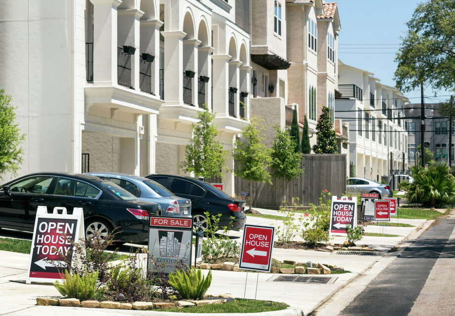 Townhomes are a growing segment of the real estate market in Houston and other Texas cities, according to the Texas Association of Realtors. Photo: Craig Hartley, For The Chronicle / Copyright: Craig H. Hartley