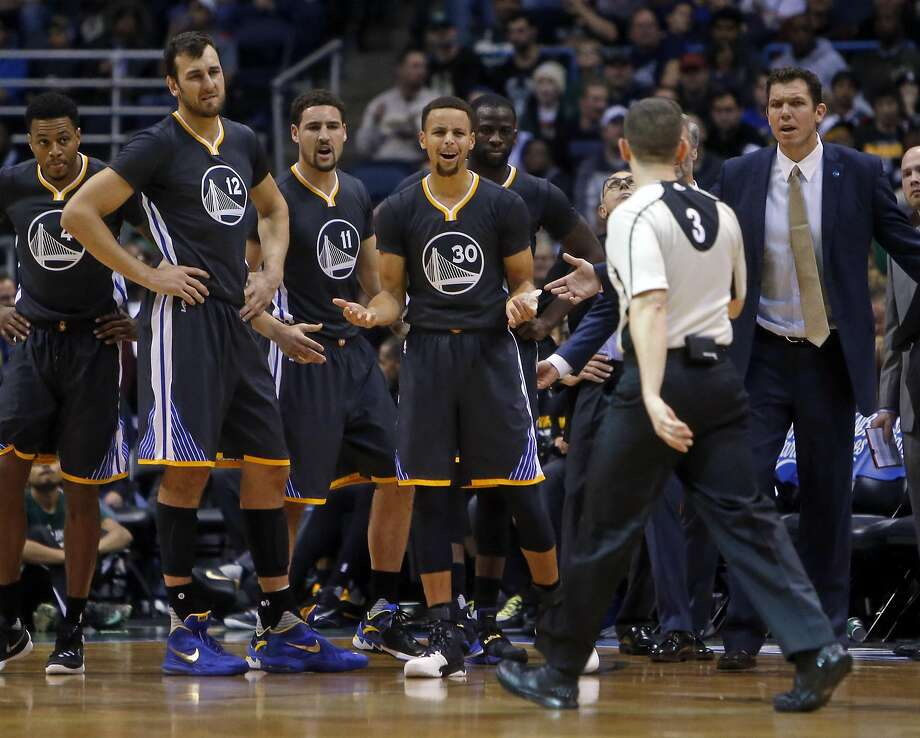 Curry and the rest of the Warriors were frustrated in their loss to the Bucks that ended their 24-game winning streak at the start of the season. Photo: Scott Strazzante, The Chronicle