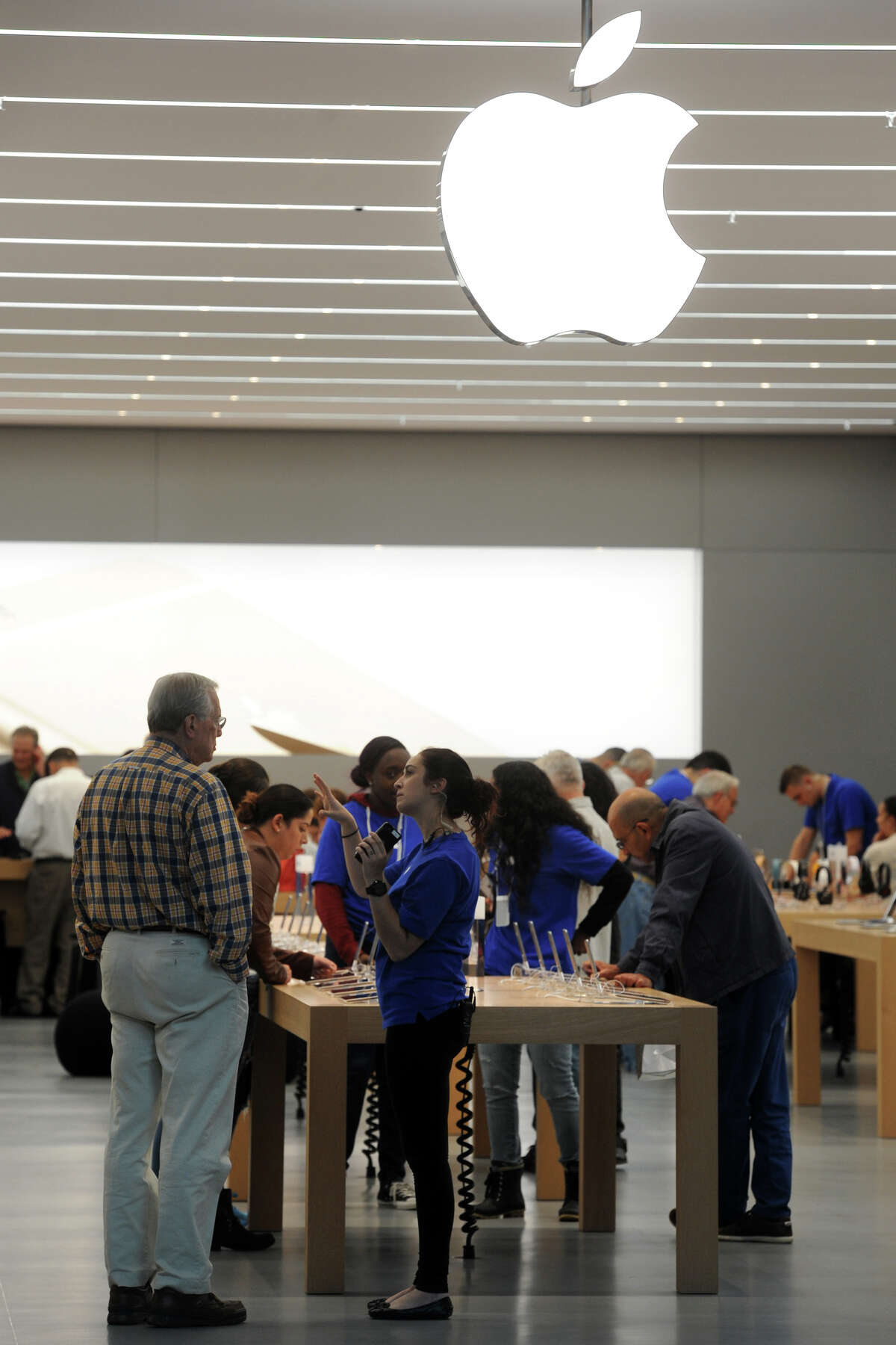 The new Apple Store in the Westfield Trumbull Mall, in Trumbull, Conn. Oct. 16,2014.