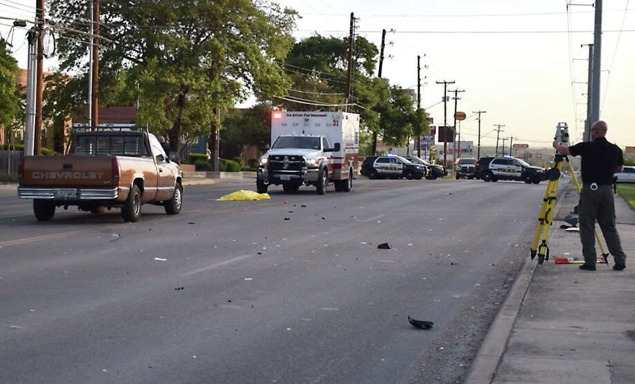 A 12-year-old Mailani Godin died April 7 on West Avenue after being hit by a car while walking to school on the North Side. An SAPD officer said the girl crossed the street with two friends while vehicle traffic had a green light. Photo: Mark Wilson /San Antonio Express-News / San Antonio Express-News