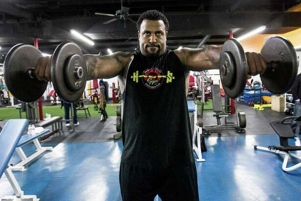 Houston Texans tackle Duane Brown works out at Hank's Gym on Thursday, April 14, 2016, in Houston. Brown is recovering from a quadriceps injury, that ended his season last year. ( Brett Coomer / Houston Chronicle )