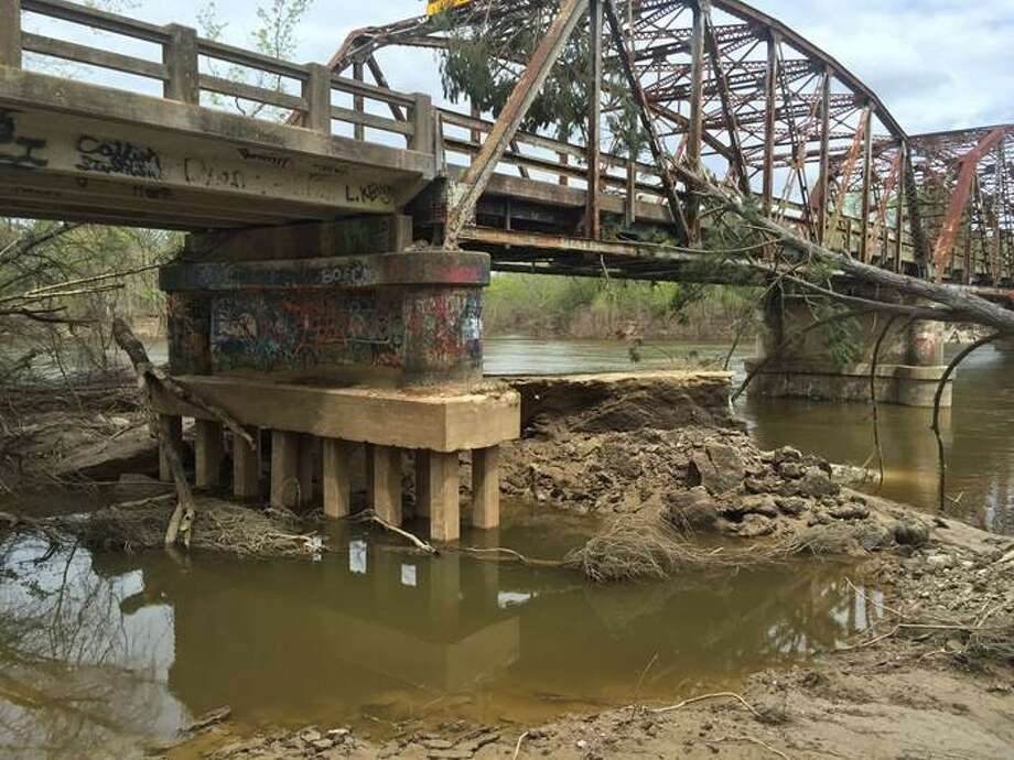 TxDOT officials announced Friday that they are developing plans to repair the Burr's Ferry Bridge at the Texas-Louisiana border, where last month's flooding displaced thousands.