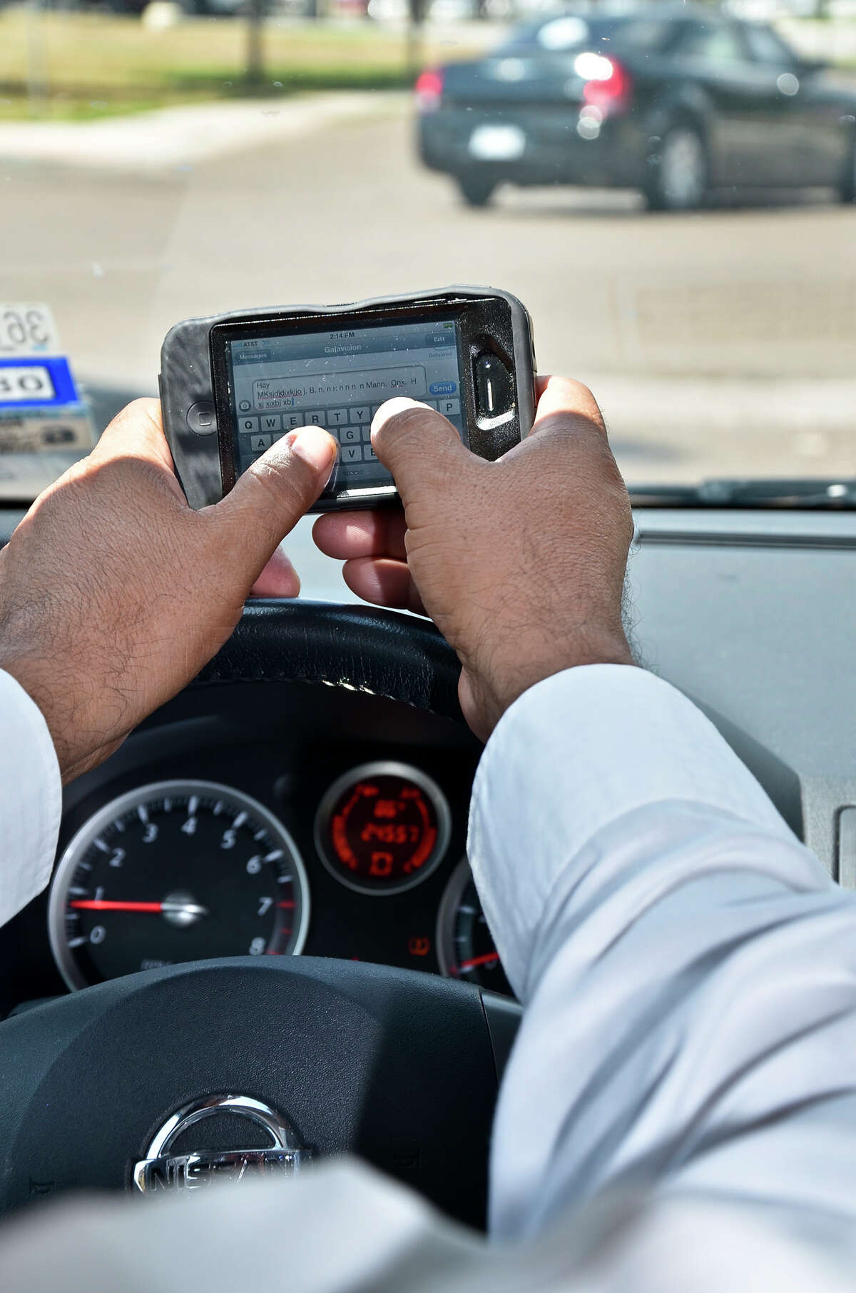 Don't text and drive. (Cuate Santos / Laredo Morning Times)