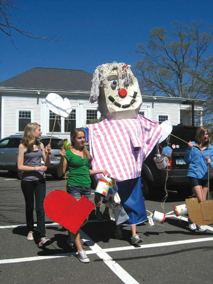 New Canaan Country School's students in grades four through eight paraded larger-than-life puppets across campus Wednesday afternoon in celebration of the school's Sustainability Day. Photo: Brittany Lyte / New Canaan News