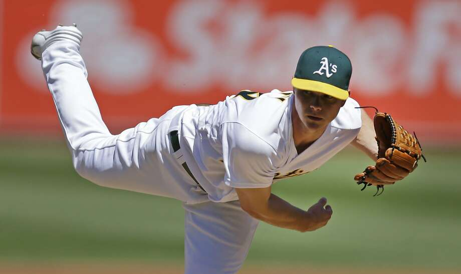 Oakland Athletics pitcher Sonny Gray works against the Kansas City Royals in the first inning of a baseball game Saturday, April 16, 2016, in Oakland, Calif. (AP Photo/Ben Margot) Photo: Ben Margot, Associated Press