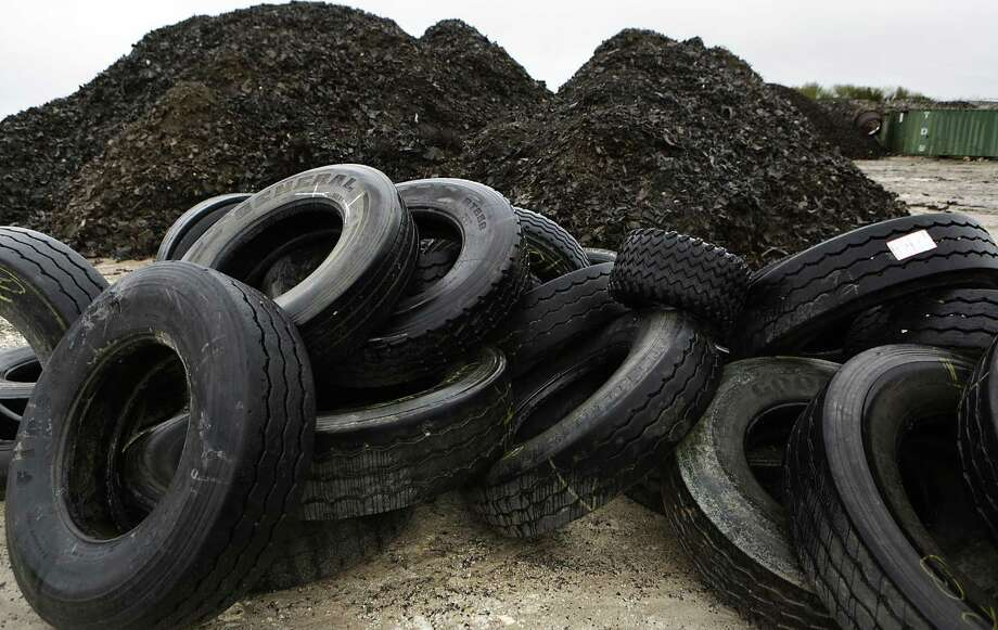 San Antonians can get rid of old tires and other bulky items for free on Saturday. Photo: Bob Owen /Staff File Photo / San Antonio Express-News