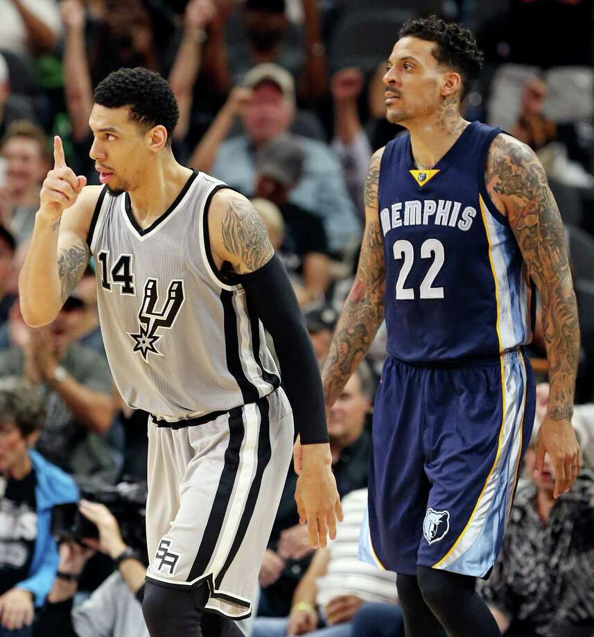 San Antonio Spurs' Danny Green celebrates after scoring a 3-pointer as Memphis Grizzlies' Matt Barnes looks on during second half action of Game 1 in the first round of the Western Conference playoffs Sunday April 17, 2016 at the AT&T Center. Photo: Edward A. Ornelas, Staff / San Antonio Express-News / © 2016 San Antonio Express-News