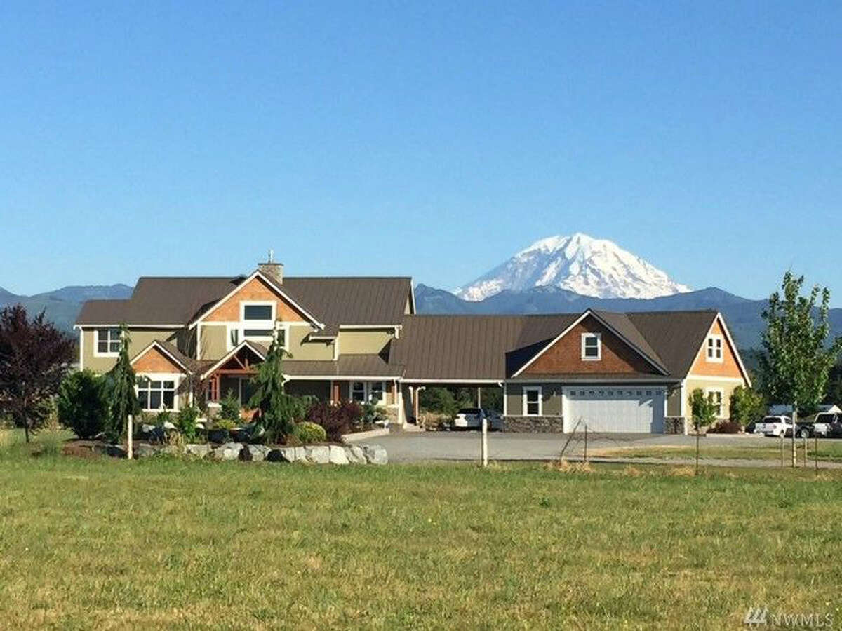 Need lots of land with the starry skies above? Perhaps this property in Enumclaw is your style. The full listing is here.