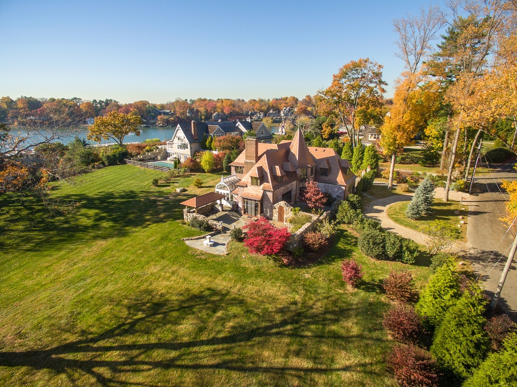On The Market Castle In Norwalk Connecticut Post