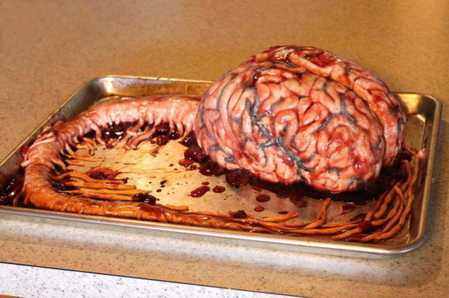 New York nurse Katherine Dey makes cakes that look like real brains, hearts and more. Photo: Courtesy/Katherine Dey