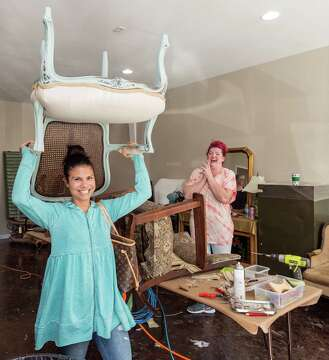 Chairapy Class Teaches The Art Of Upholstery Houstonchronicle Com
