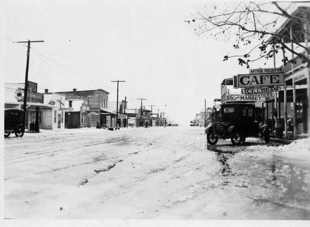 Check out photos from the early days of La Porte In 2017 the city of La Porte is set to celebrate 125 years of its existence. Ahead of this event, which will be marked with a whole year of parties and parades, the city is sharing a handful of select photos from its earliest days.