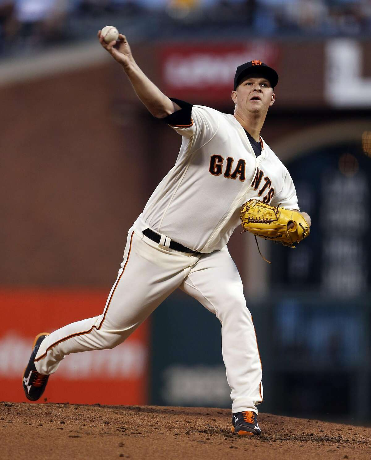 San Francisco Giants' Matt Cain delivers in 2nd inning against Arizona Diamondbacks during MLB game at AT&T Park in San Francisco, Calif., on Tuesday, April 19, 2016.