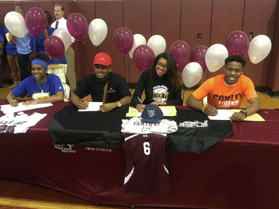 4 central hs athletes sign to play college sports houston chronicle Clifton high school swimming pool