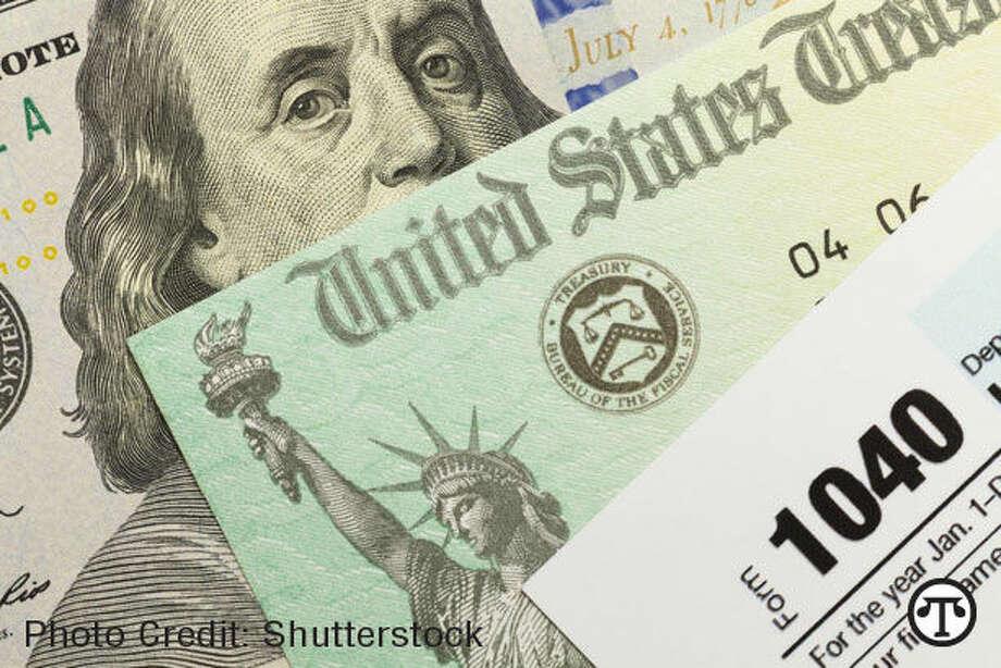 Podría ser financieramente provechoso chequear su informe de crédito antes de calcular sus impuestos. (NAPS)
