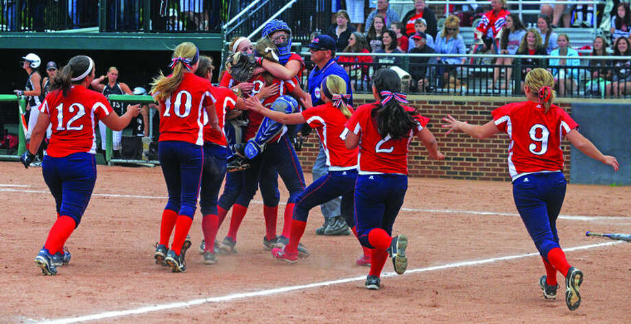 USA punched its ticket to the Division 3 state finals Friday. Photo: Paul P. Adams