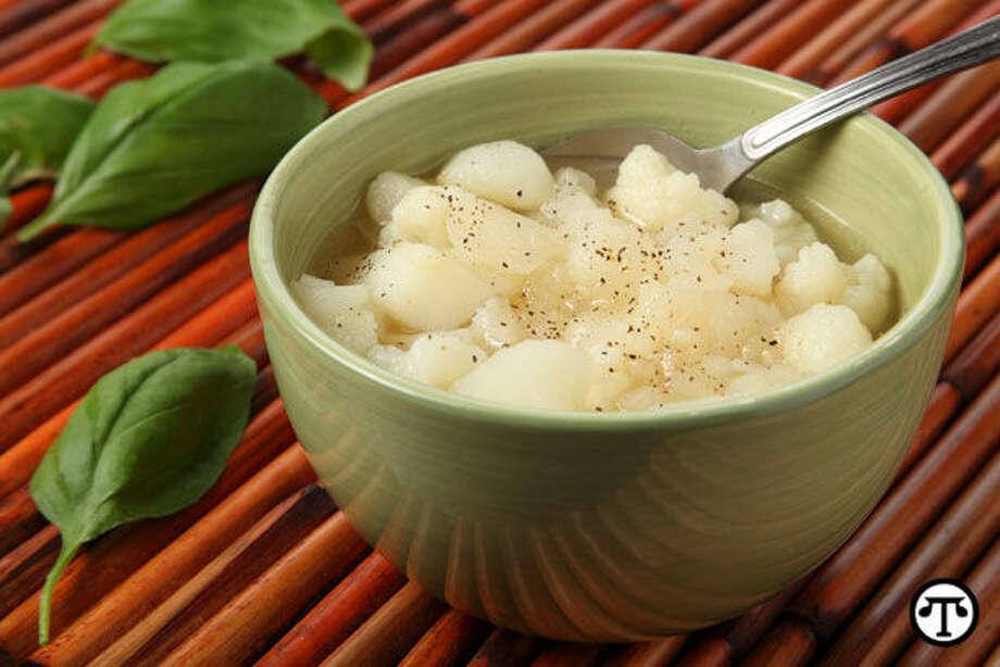 This hearty White-on-White Idaho Potato Cauliflower Soup packs a healthy dose of potassium. (NAPS)