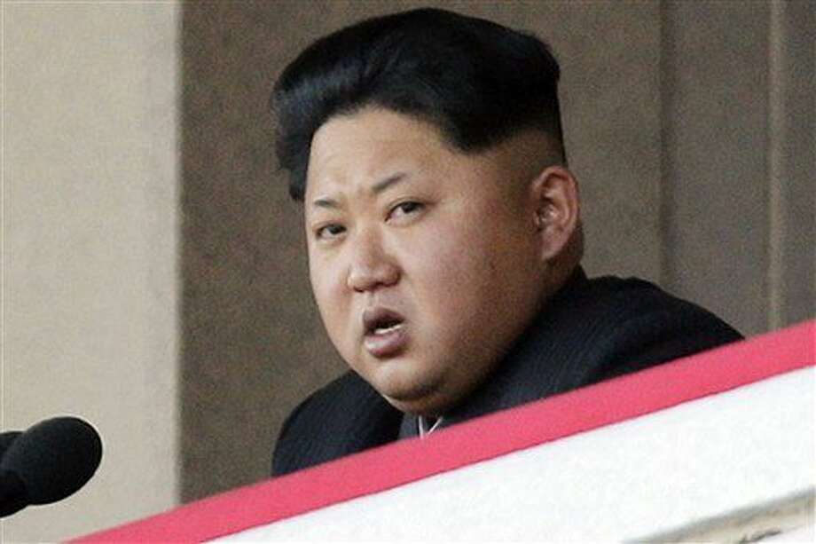 Fotografía de archivo del 10 de octubre de 2015 del líder norcoreano Kim Jong Un hablando durante un desfile militar en Pyongyang, Corea del Norte. (Foto AP/Wong Maye-E, Archivo) Photo: Wong Maye-E