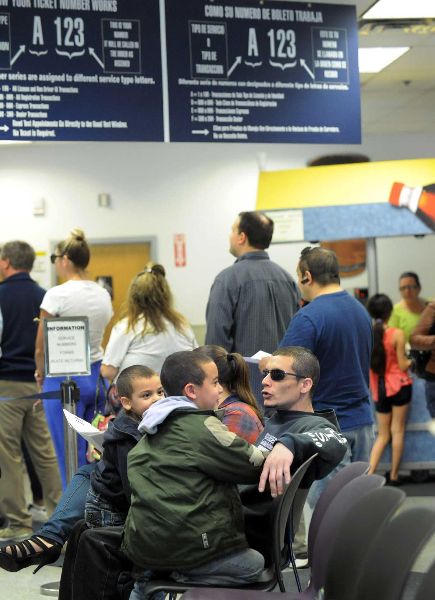 Dmv Don T Blame Us For Voter Registration Delays Connecticut Post