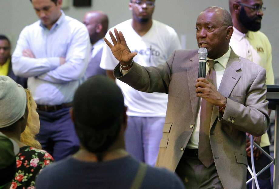 Mayor Sylvester Turner talks with Greenspoint residents at an informational meeting about flood relief held at Harvest Time Church, on Imperial Valley Drive in Houston, on Wednesday. Photo: Melissa Phillip, Houston Chronicle / © 2016 Houston Chronicle
