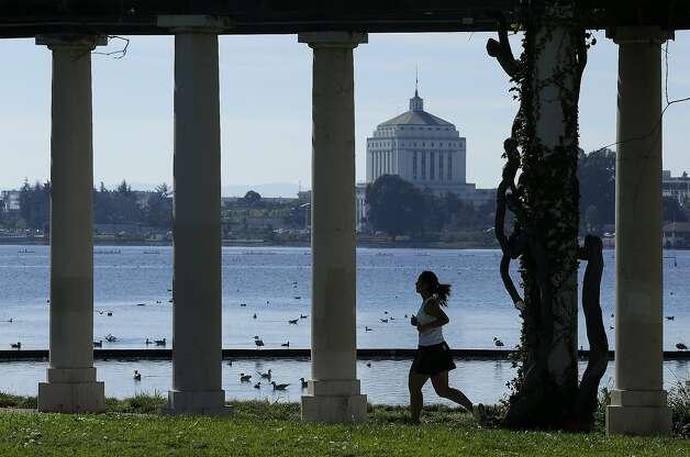 OaklandPopulation:424,998Violent crime:6,059 Photo: Ben Margot, AP
