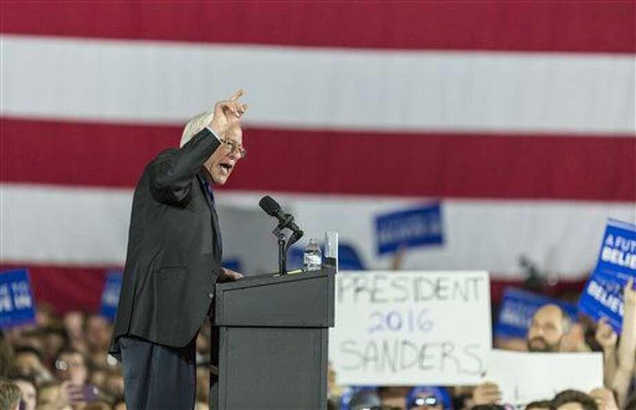 El senador Bernie Sanders, aspirante a la candidatura demócrata a la presidencia, habla en una escala de campaña el sábado 26 de marzo de 2016, en Madison, Wisconsin. (Foto AP/Andy Manis) Photo: Andy Manis