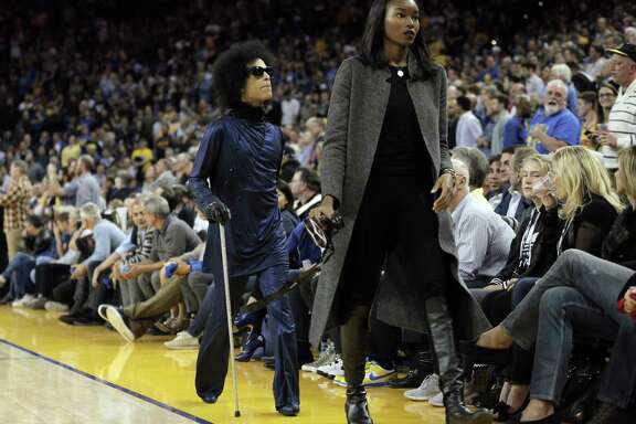 Prince leaves the court before half time as the Golden State Warriors played the Oklahoma City Thunder at Oracle Arena in Oakland, Calif., on Thursday, March 3, 2016.