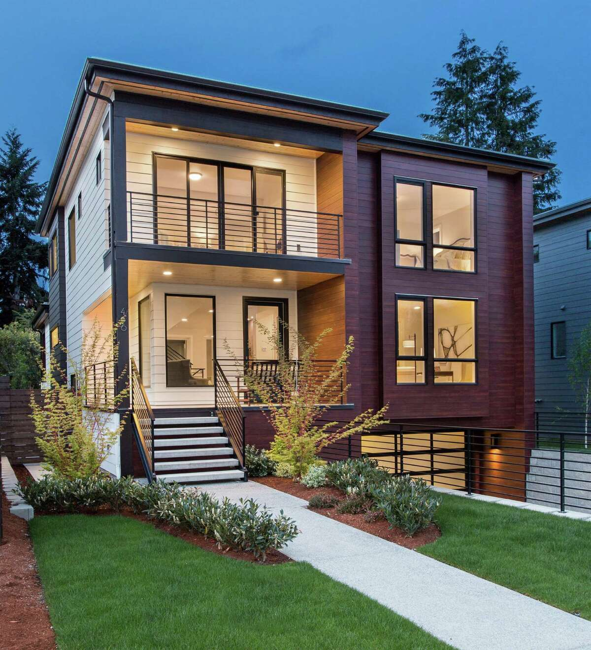 KirklandBuilder: BDR HomesArchitect: Jim Dwyer The first home on the tour, 416 7th Ave. in Kirkland, is a brand new luxury home that spans just over 3,500 square feet. It features a roof deck, covered outdoor patio and an open, airy floor plan.