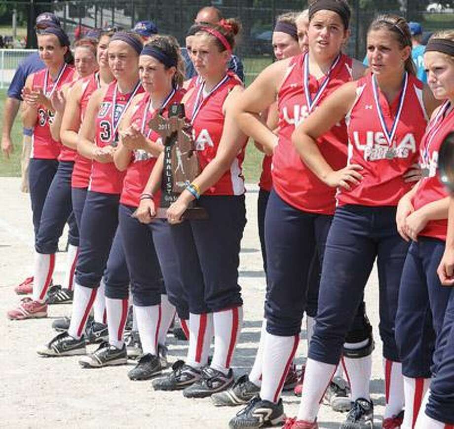 The USA players stand with the Division 4 runner-up trophy after losing to Petersburg-Summerfield on Saturday.