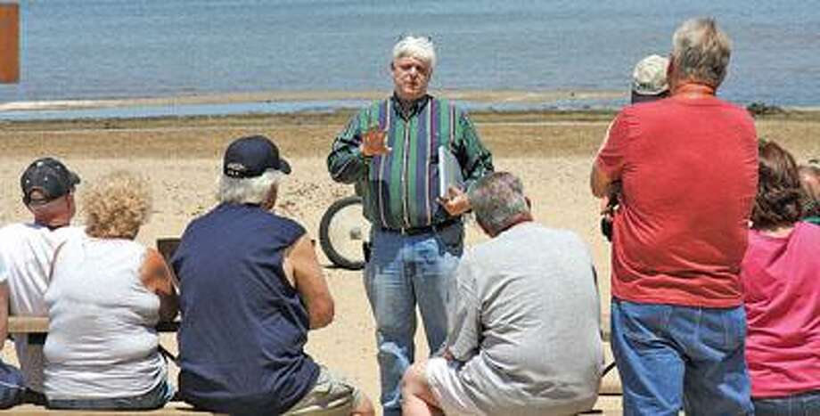DEQ meets with shoreline property owners.