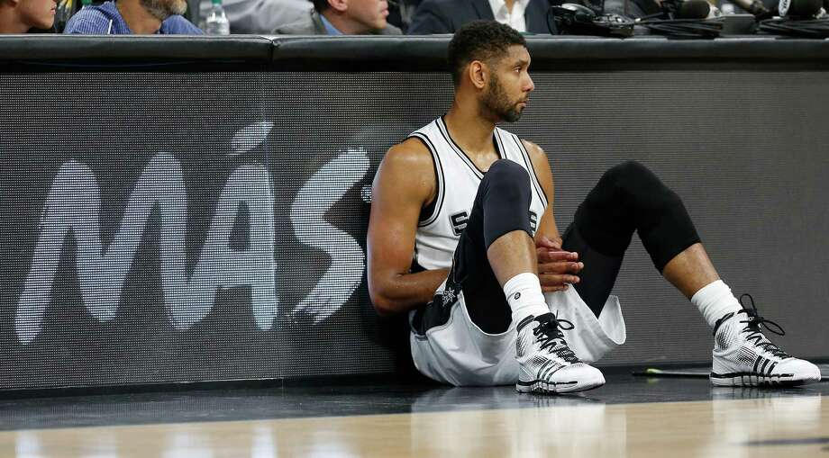 Spurs' Tim Duncan (21) waits to enter the game against the Memphis Grizzlies at the AT&T Center in Game 2 of the first round of Western Conference playoffs on Tuesday, Apr. 19, 2016. (Kin Man Hui/San Antonio Express-News) Photo: Kin Man Hui, Staff / San Antonio Express-News / ©2016 San Antonio Express-News