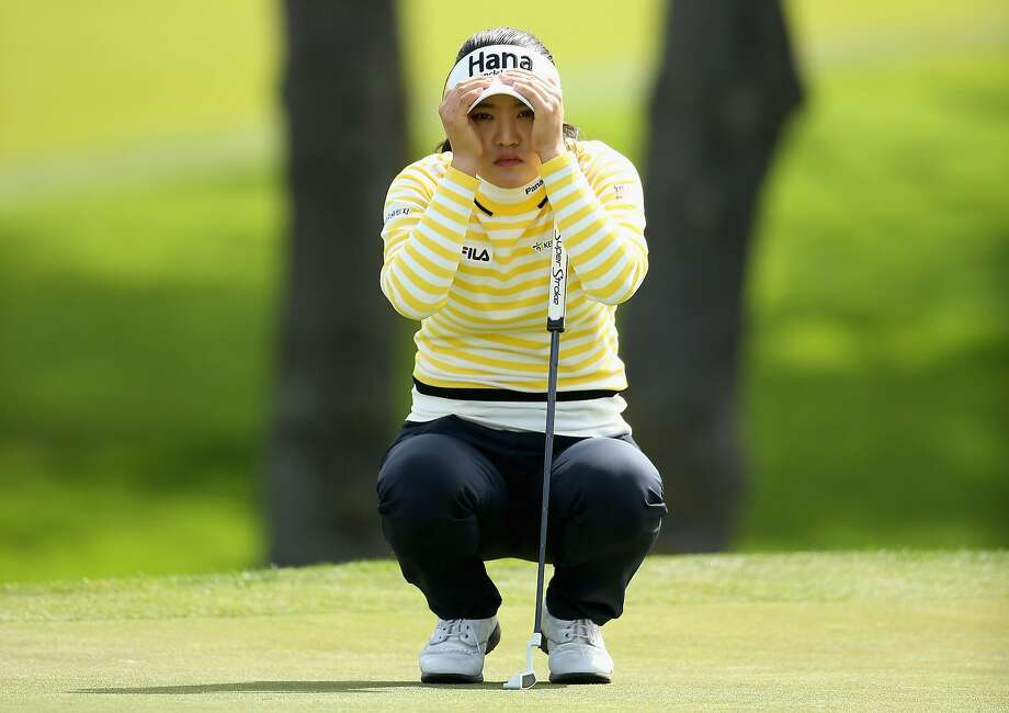 So Yeon Ryu, lining up a putt on the fifth hole at Lake Merced, had an early tee time and took advantage of great conditions to shoot a 9-under-par 63. Photo: Ezra Shaw, Getty Images