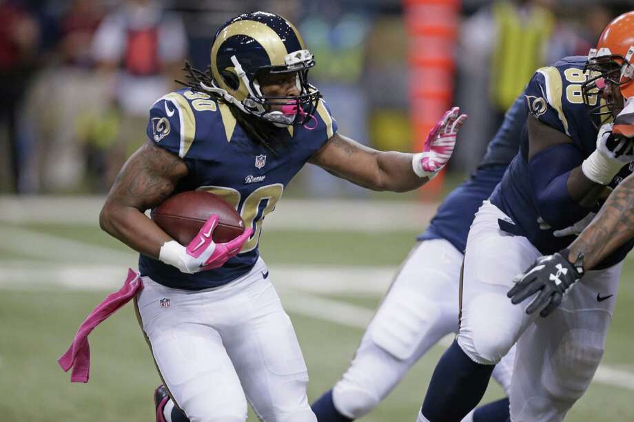 Todd Gurley was a first-round selection in 2015, and the running back from Georgia rewarded the Rams by rushing for 1,106 yards and 10 touchdowns. Photo: Tom Gannam, FRE / FR45452 AP