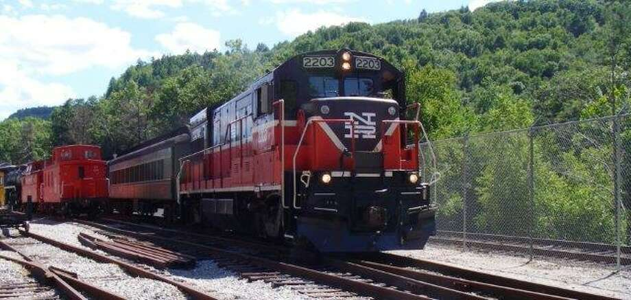 In partnership with Fascia's Chocolates and Haight-Brown Vineyard, the Railroad Museum of New England (RMNE) is pleased to announce the next Wine and Chocolate Train on Friday, April 29, 2016 on the Naugatuck Railroad.